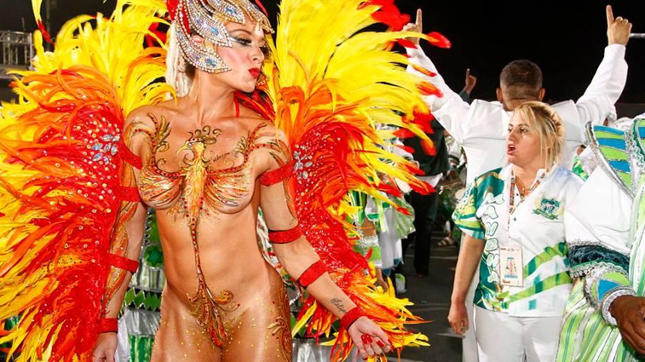 Musa da Mancha Verde, Juju Salimeni, durante o desfile das escolas de samba do Grupo de Acesso no Carnaval de São Paulo