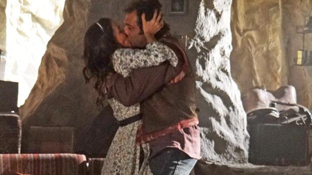 O amor de Zyah (Domingos Montagner) e Ayla (Tânia Khalil) vence no final
