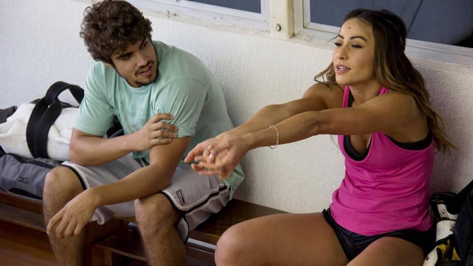 Os atores Caio Castro e Sabrina Sato no filme A Grande Vitória