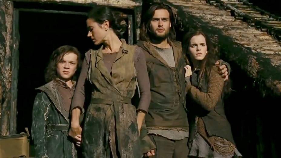 Dakota Goyo, Jennifer Connelly , Emma Watson e Douglas Booth em cena do filme Noé, de Darren Aronofsky