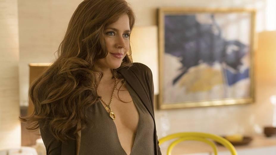 A atriz Amy Adams no filme Trapaça