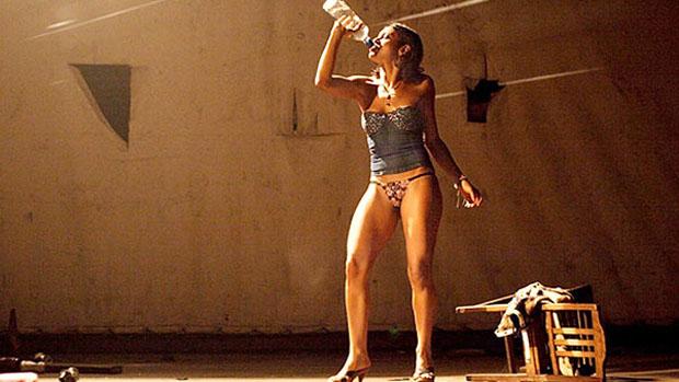 Cena do filme Baixio das Bestas (2006), de Cláudio Assis