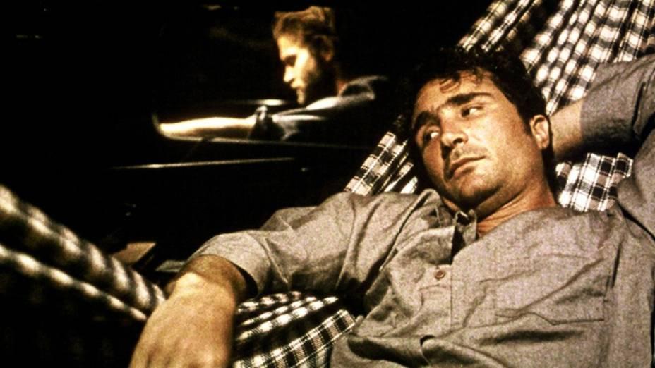 Cena do filme Cinema, Aspirinas e Urubus (2005), do diretor Marcelo Gomes