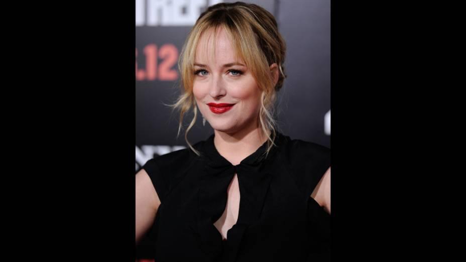 Atriz Dakota Johnson chega para a estreia do filme Anjos da Lei