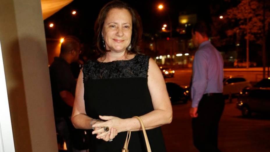 Elizabeth Savalla, que vive Márcia, chega para a festa de despedida de Amor à Vida, no Rio