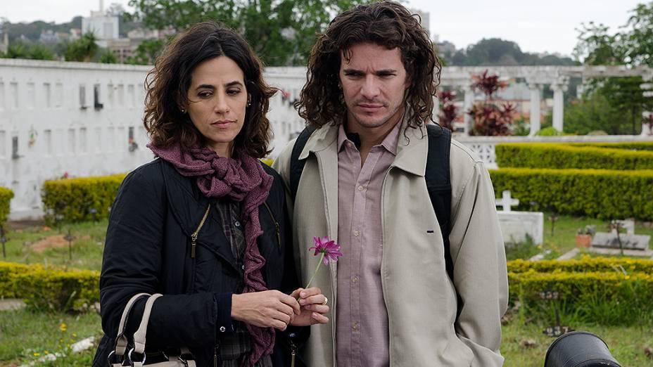 Jesus (Daniel de Oliveira) e Susana (Mariana Lima)