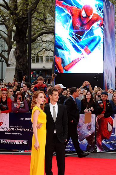 Os atores Emma Stone e Andrew Garfiel durante um evento de divulgação do filme O Espetacular Homem-Aranha 2 em Londres, Inglaterra