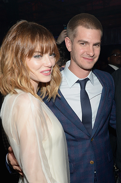 Emma Stone e o namorado Andrew Garfield após festa de divulgação do filme O Espetacular Homem-Aranha 2 em Nova Iorque