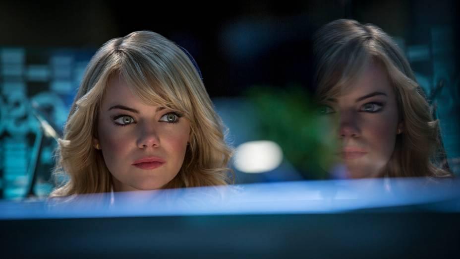 Emma Stone em cena do filme O Espetacular Homem Aranha 2