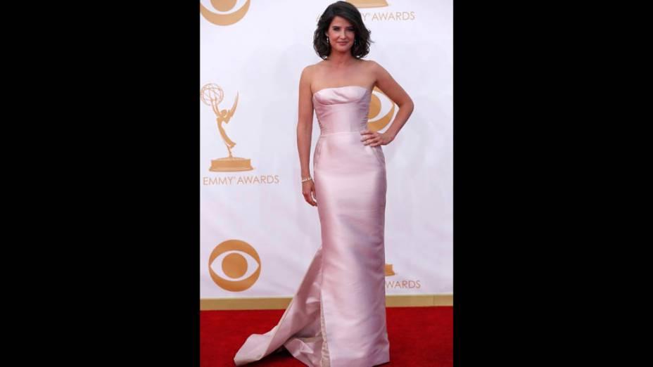 Atriz Cobie Smulders da série How I met Your Mother, chega para a premiação do Emmy, em Los Angeles