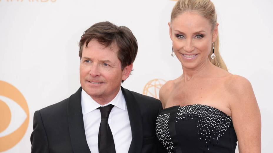 Ator Michael J. Fox e sua esposa Tracy Pollan, chega para a premiação do Emmy, em Los Angeles
