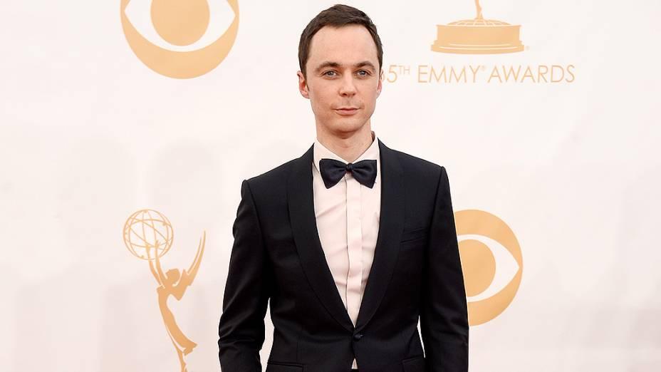 Ator Jim Parsons da série The Big Bang Theory, chega para a premiação do Emmy, em Los Angeles