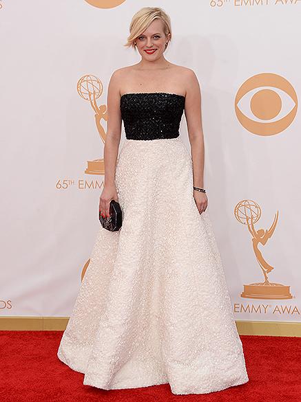 Atriz Elisabeth Moss da série Mad Men, chega para a premiação do Emmy, em Los Angeles