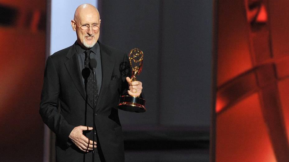 James Cromwell recebe o prêmio de melhor ator coadjuvante em minissérie ou telefilme por sua atuação em American Horror Story, durante o Emmy, em Los Angeles