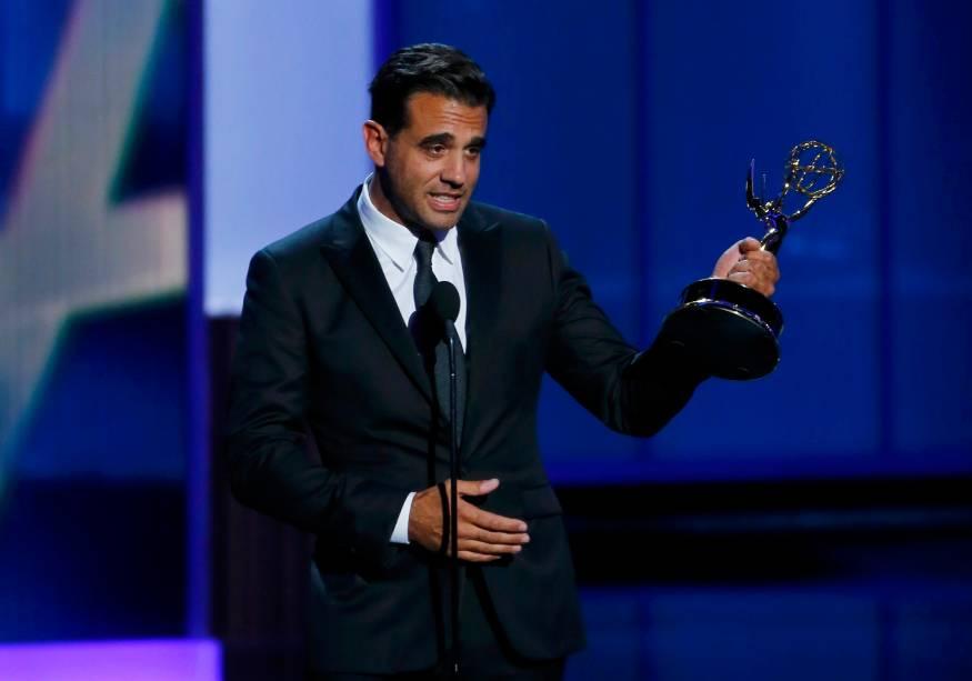 Bobby Cannavale recebe o prêmio de melhor ator coadjuvante em série dramática por sua atuação em Boardwalk Empire, durante o Emmy, em Los Angeles