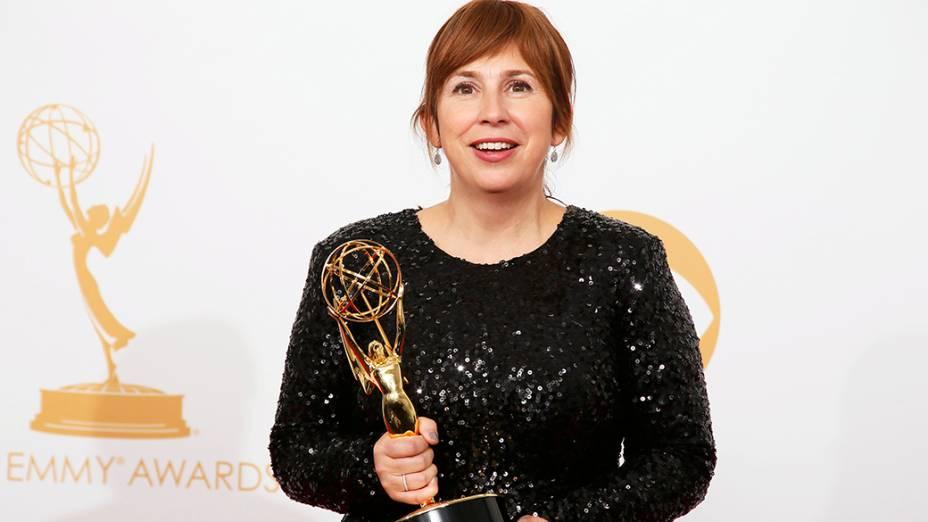 Abi Morgan, da BBC América recebe o prêmio de melhor roteiro em minissérie ou telefilme por The Hour, durante o Emmy, em Los Angeles