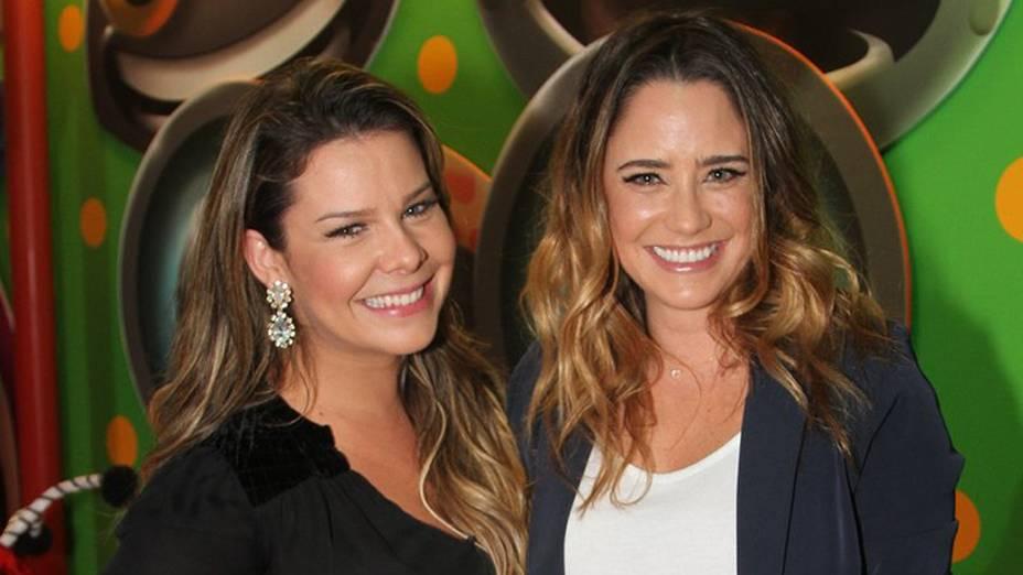 As atrizes Fernanda Souza e Fernanda Vasconsellos na festa de inauguração da primeira unidade da Casa X