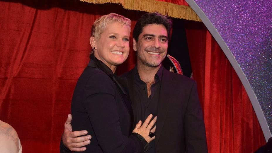 A apresentadora e o namorado Junno Andrade durante a festa de inauguracão de sua rede de casas de festas infantis, Casa X, em São Paulo