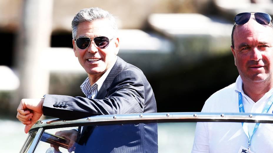 George Clooney chega de barco à coletiva de imprensa do filme Gravidade, no 70º Festival de Veneza