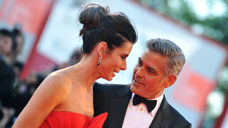 Sandra Bullock e George Clooney no tapete vermelho do 70º Festival de Cinema de Veneza