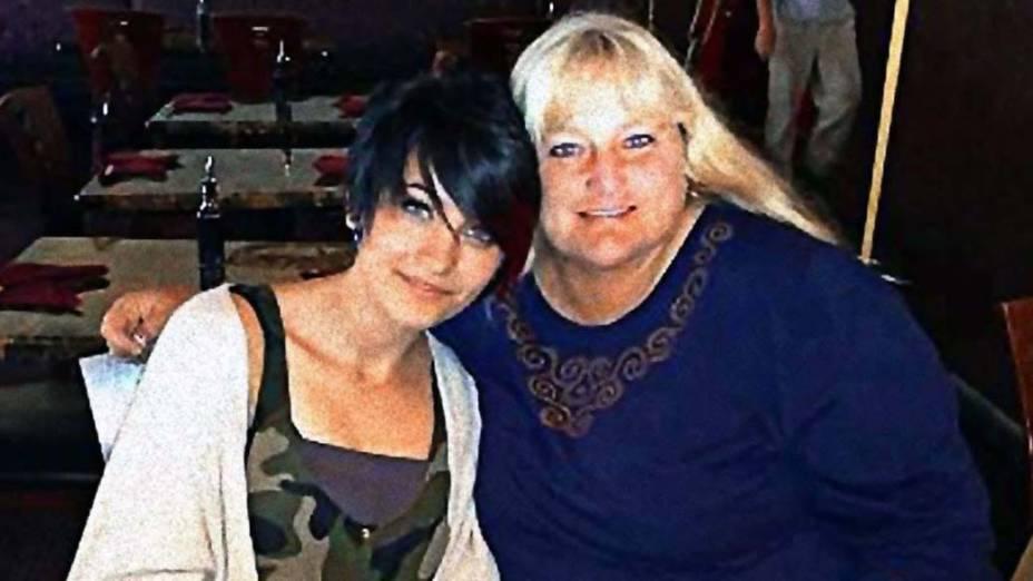 Paris Jackson com a mãe Debbie Rowe