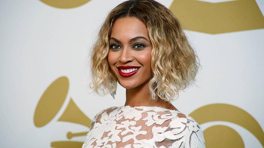 Beyoncé no tapete vermelho do Grammy 2014, em Los Angeles