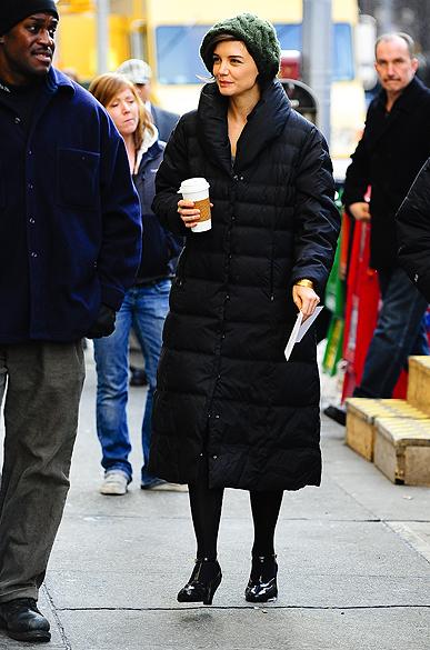 """Atriz Katie Holmes no set de fimagens do filme """"The Extra Man"""" em março de 2009"""