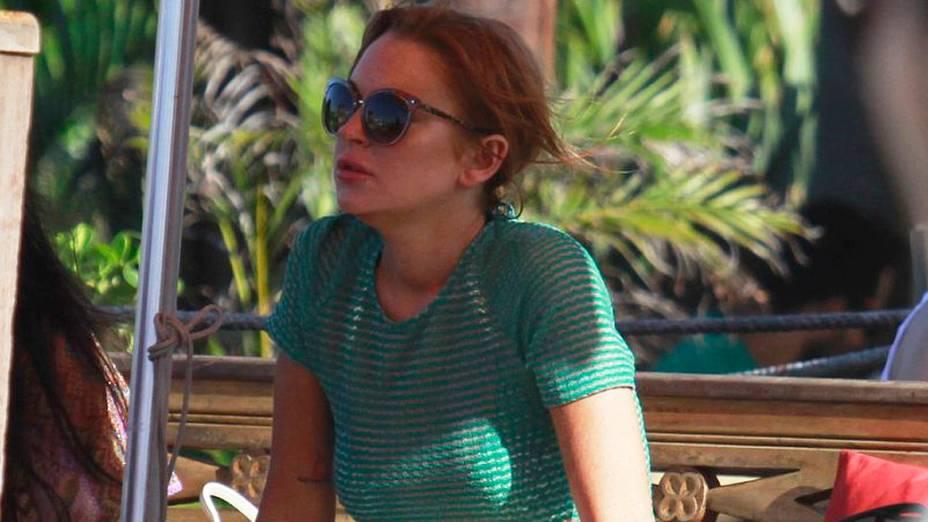 Lindsay Lohan em uma praia de Florianopolis