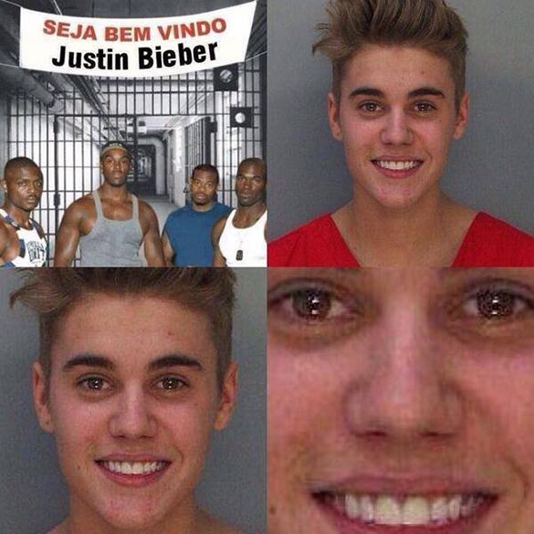 Aqui, o cantor é recebido por grupo de presos com cara de poucos amigos