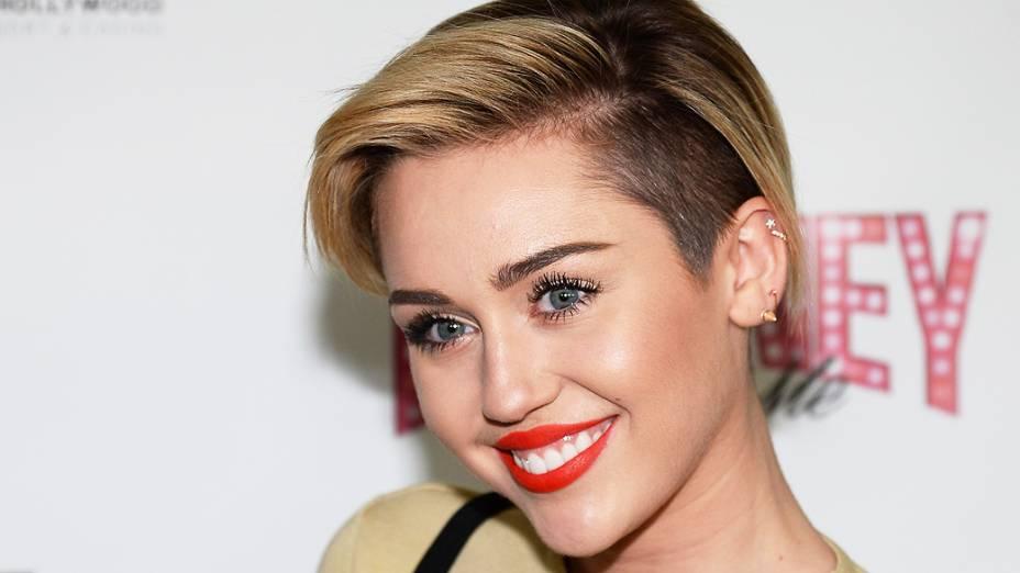 Miley Cyrus chega para espetáculo de Britney Spears Piece of Me, no Planet Hollywood Resort & Casino, em Las Vegas