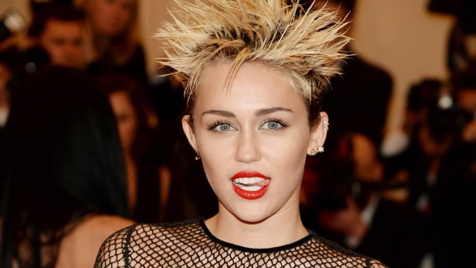 Miley Cyrus durante evento em 2013