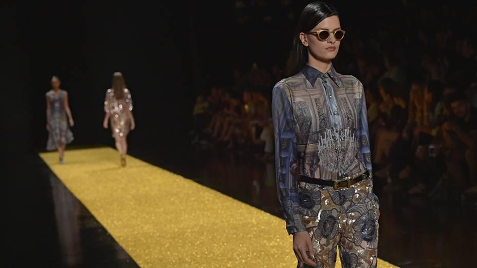 Alessa apresenta coleção durante o primeiro dia da Fashion Rio