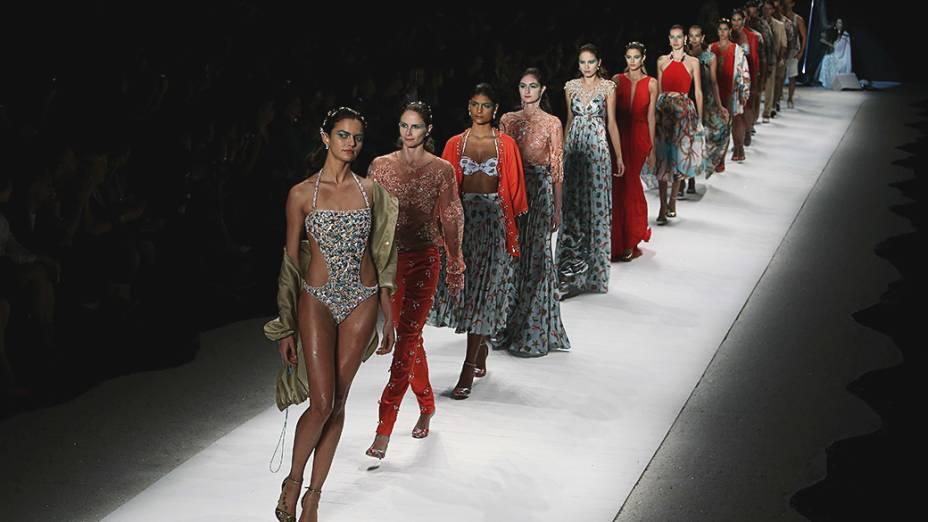 Desfile da marca Victor Dzenk no terceiro dia da Fashion Rio Verão 2015