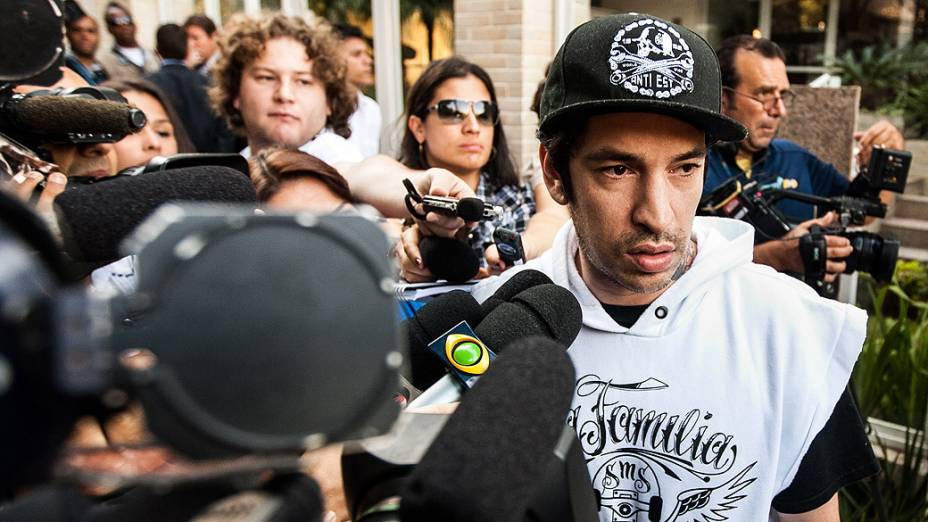 O músico Luiz Carlos Leão Duarte Junior, o Champignon da banda Charlie Brown Jr., foi encontrado morto no início da madrugada desta segunda-feira, em seu apartamento no Jardim Caboré, na zona oeste de São Paulo