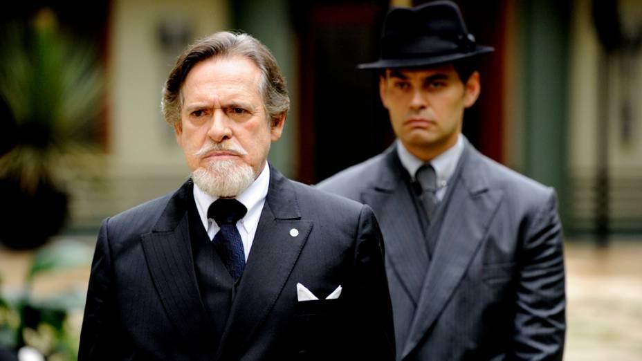 Ernest (José de Abreu) e Manfred (Carmo Dalla Vecchia) na novela Joia Rara