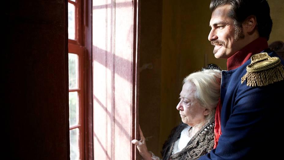 Os atores Thiago Lacerda e Fernanda Montenegro no filme O Tempo e o Vento