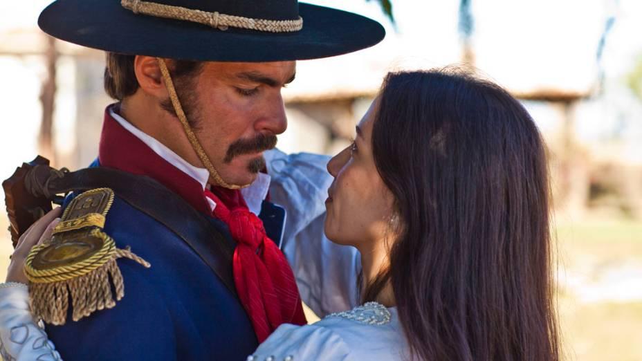Thiago Lacerda e Marjorie Estiano no filme O Tempo e o Vento