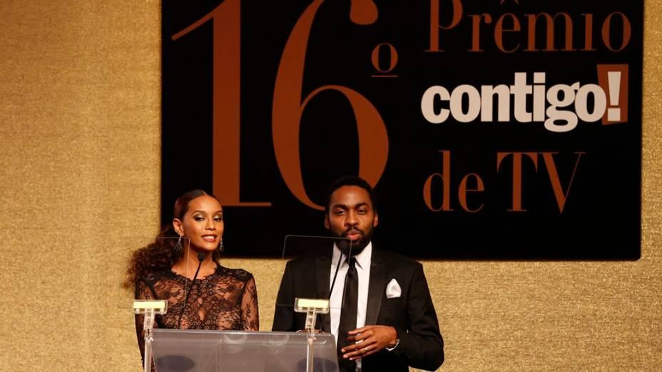 O casal de apresentadores da 16ª edição do Prêmio Contigo! de TV, Thaís Araújo e Lázaro Ramos, no Hotel Copacabana Palace, no Rio de Janeiro