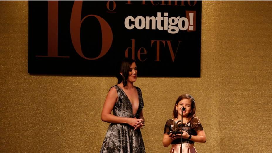 Mel Maia recebe prêmio durante a 16ª edição do Prêmio Contigo! de TV, no Hotel Copacabana Palace, no Rio de Janeiro