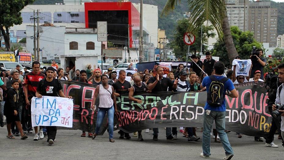Manifestações contra a violência das UPPs marcaram o funeral do dançarino DG