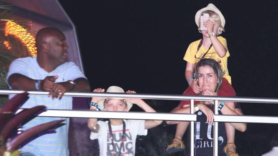 Filhos de Luciano Hulk e Angélica na Area Vip do Rock In Rio, na Cidade do Rock