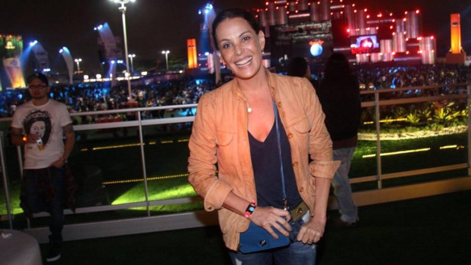 Carolina Ferraz na área vip na Cidade do Rock, no quarto dia do Rock in Rio 2013