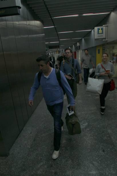 Ed Helms, o dentista Stu de Se Beber, Não Case, no aeroporto do Rio de Janeiro