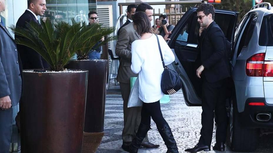 Justin Bartha, o Doug de Se Beber, Não Case, chega ao hotel no Rio