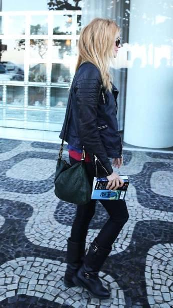 Heather Graham, a prostituta com quem Stu (Ed Helms) se casa no primeiro longa da série, chega ao país