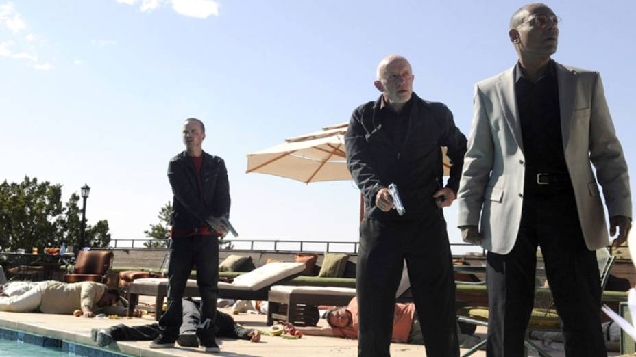 Jesse Pinkman (Aaron Paul), Mike (Jonathan Banks) e Gustavo Fring (Giancarlo Esposito), na quarta temporada de Breaking Bad