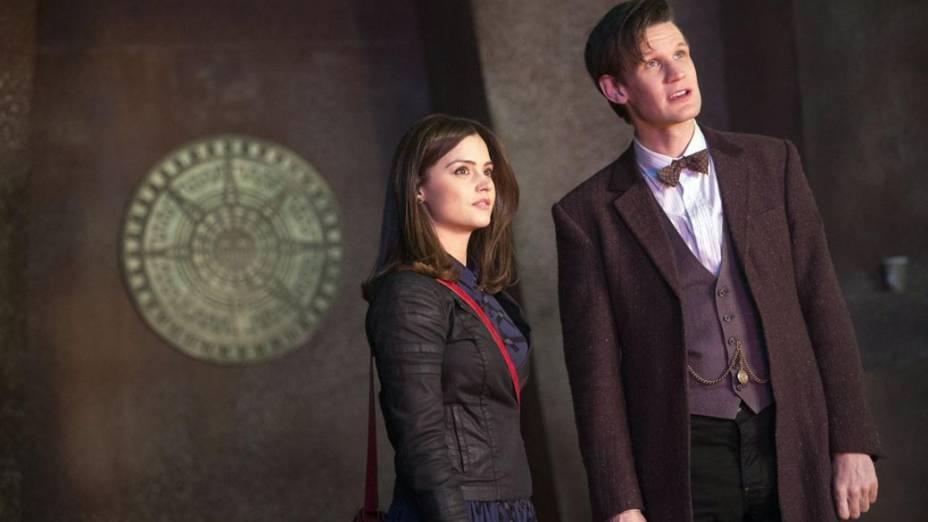 O décimo primeiro Doutor (Matt Smith) com a companheira Clara (Jenna Coleman) em cena da série Doctor Who