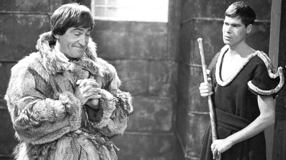 Patrick Troughton como o segundo Doctor da série Doctor Who, nos anos 1960