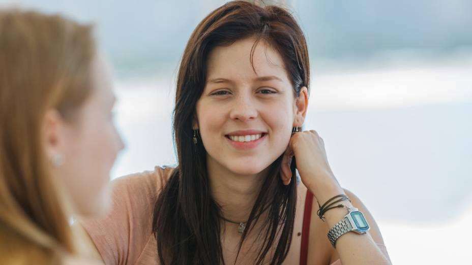 A atriz Sophia Abrahão como Tina no filme Confissões de Adolescente