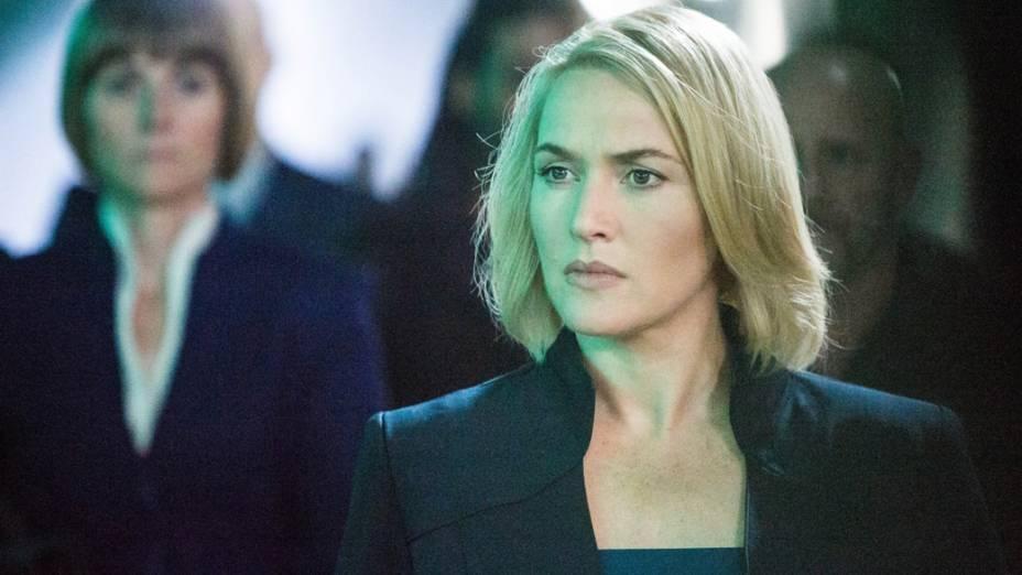 A atriz Kate Winslet no filme Divergente